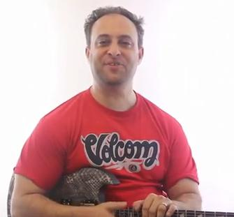 lead guitar lesson - cool guitar tips for mastering the scales
