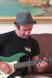Funky Blues Rhythm Pattern in A7 - Blues Guitar Lesson on Funky Groove