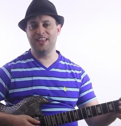 Cool Chordal Idea to Play on Guitar - Rhythm Guitar Lesson