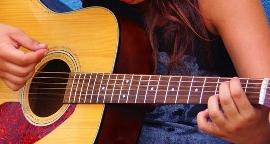Learn-Guitar.jpg