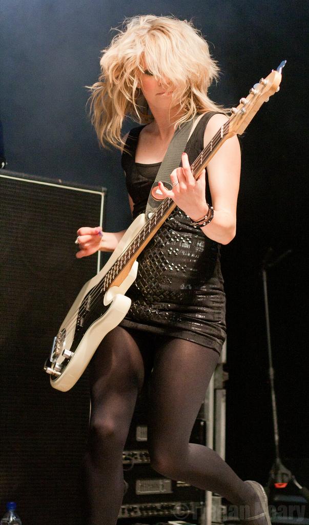 bass-guitar-for-beginners.jpg