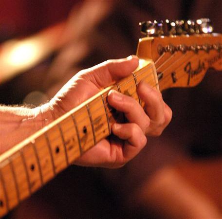 guitar-practice_guitar.jpg